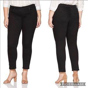 Levi's | Women's Black 711 mid rise Skinny Jeans